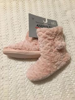 comfy booties/slippers size S