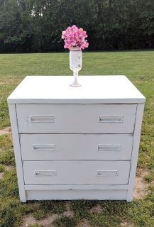 Farmstyle Country White Dresser