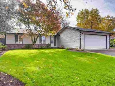 430 SE Border Ln McMinnville Three BR, 1-level home near Linfield