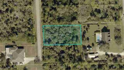 402 Desoto AVE Lehigh Acres, Almost half acre lot on quiet