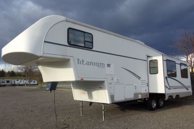 2002 Glendale Titanium 32E37DS fifth wheel for sale in Seeley Lake, MT.