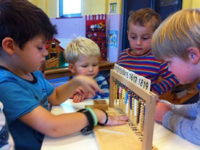 Difference between Montessori and Traditional Method