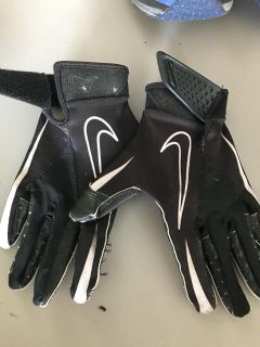 Nike youth football gloves