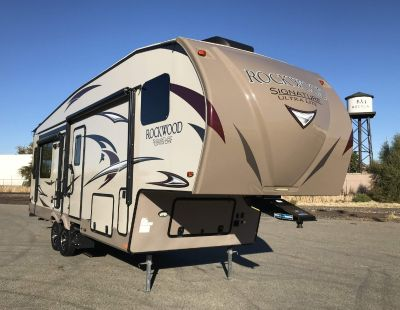 2018 Forest River ROCKWOOD SIGNATURE ULTRA LITE 8289WS