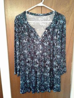 Blouse Dark Blue with Flowers 3/4 Sleeves Knit with Pin Tucks Size M