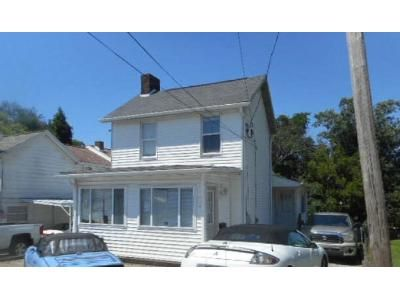 3 Bed 1 Bath Foreclosure Property in Uniontown, PA 15401 - Sycamore St