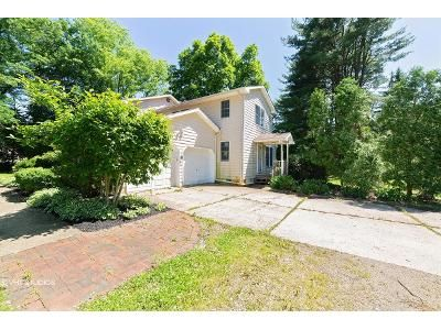 5 Bed 4 Bath Foreclosure Property in Mount Holly, NJ 08060 - Powell Rd