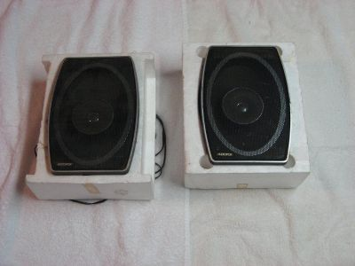 Audiovox Car Stereo Speakers (1 pair)