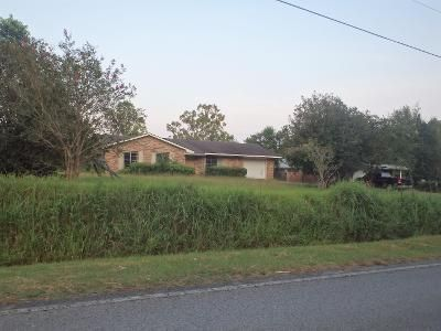 3 Bed 1 Bath Preforeclosure Property in Grand Bay, AL 36541 - Potter Tract Rd