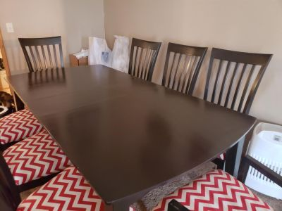 Espresso Brown Dining Room Table w/ 8 Chairs and 1 Extra Leaf