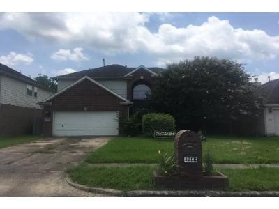 3 Bath Preforeclosure Property in Bacliff, TX 77518 - Chase Stone Dr