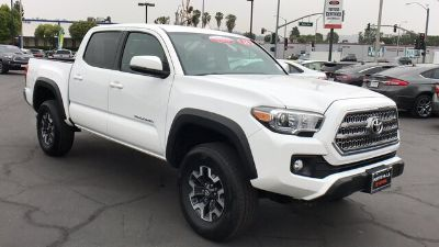 2016 Toyota Tacoma TRD Off Road (Super White)
