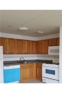 Bright Bronx, 2 bedroom, 1 bath for rent. Parking Available!