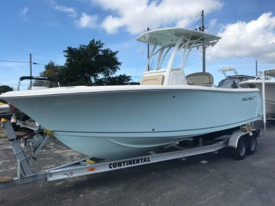 2018 Sailfish 241 CC Center Console Boats Holiday, FL