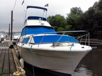 33/ft Chris craft commander 1972