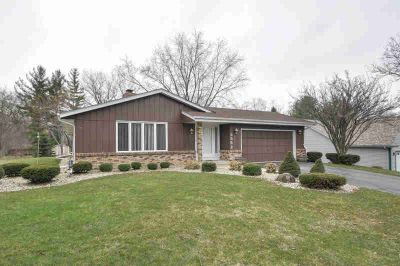 3553 River Bend Dr Caledonia Three BR, You'll feel the love in