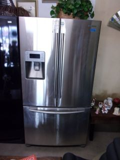 Samsung Refrigerator/Freezer With Ice Maker In Door