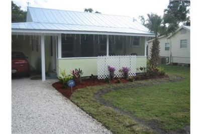 Country Living, 2 miles from NSB Beach