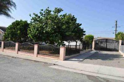 41 West Barnett Street Ventura Three BR, Newer home in move in