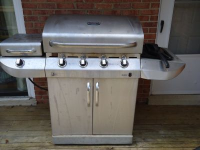 Large Char Broil Gas Grill