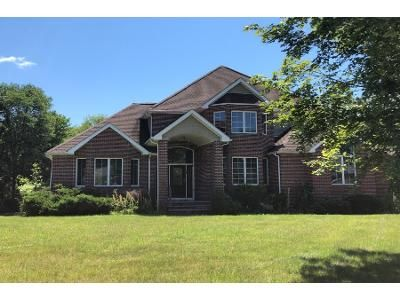 3 Bed 3 Bath Preforeclosure Property in Hopewell Junction, NY 12533 - Angela Ct