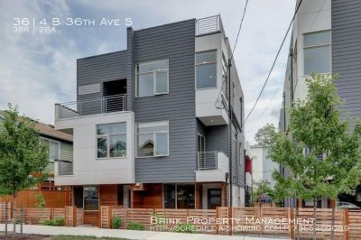 Luxurious 3bd, 2ba Townhouse Available with Tall Ceilings, Designer Finishes and Natural Light!
