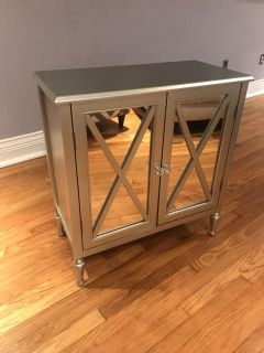 Silver mirrored 2 drawer chest