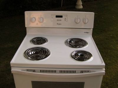 Range Stove Excellent condition-Biscuit-Off white