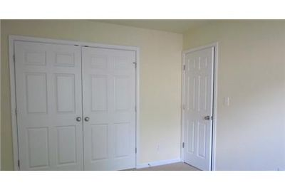 3 bedrooms Townhouse - Large & Bright. Pet OK!