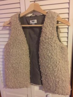 Old navy cute vest for girls!