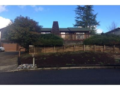 3 Bed 2.5 Bath Preforeclosure Property in Roseburg, OR 97471 - Linnell Ave