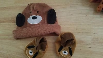 Lot puppy dog hat and booties (OS) probably would fit 9-18 months