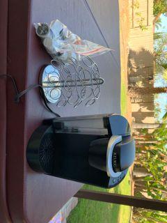 Keurig coffee machine and pod rack