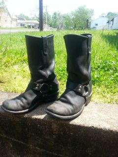 Size 8.5 harley riding boots...