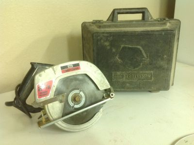 Craftsman circular saw with case