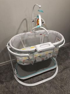NEW Fisher Price Bassinet