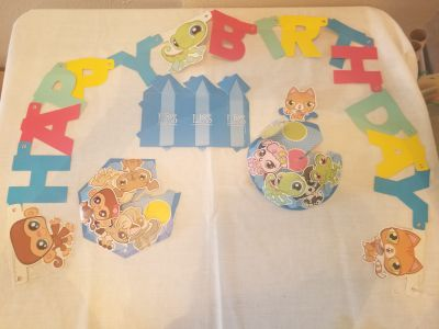 LPS birthday banner and table decor