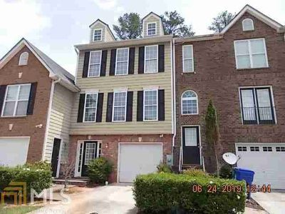 3094 Bonnes Dr LITHONIA, Walk In to a Beautiful Townhome!