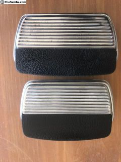Nice original 67 only rear ashtrays (1 pair)