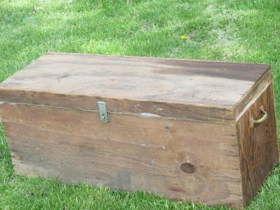 Wooden tool box with latch