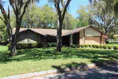 6186 W Woodside Circle Crystal River Three BR, WELCOME HOME!!!!