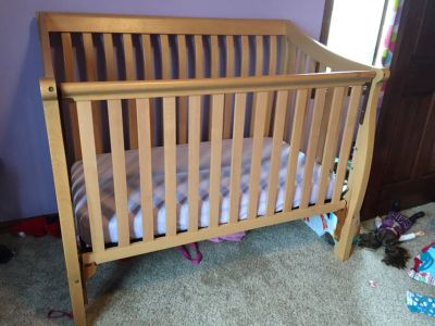 Crib, tall dresser and long dresser/changing table