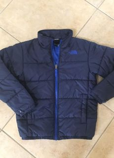 Boys size 10-12 North Face coat in perfect condition.