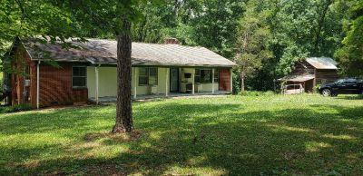 Single family house 3 bedroom 2 bath China Grove. $250,000