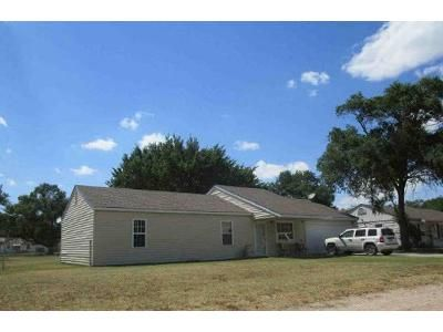 4 Bed 2 Bath Foreclosure Property in Wichita, KS 67212 - N Doris St