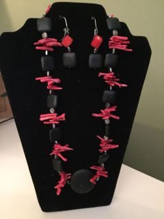 Red and Black Necklace Set