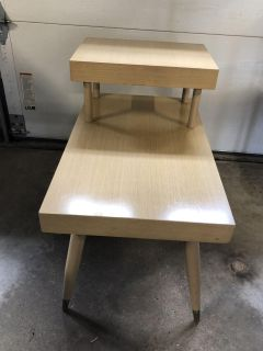 Retro Side/End Table (26x22.5in.)