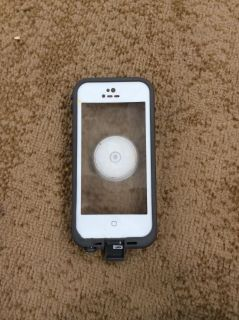 Lifeproof Waterproof Case comes with galaxy pop socket fits 5s, 5c and SE models asking $15