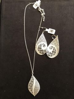NWT silver jewelry set. Rep samples. Ppu. Retail value $53
