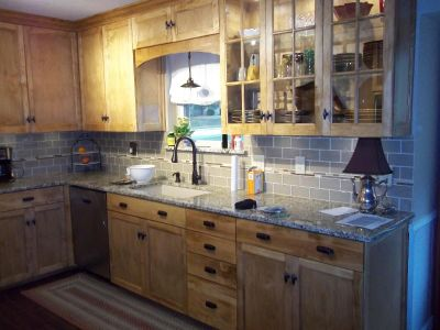 Custom Carpentry / Cabinets & Furniture